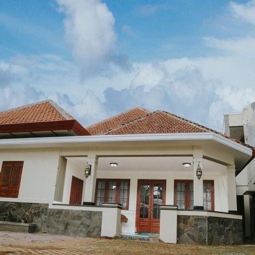 Musafir Guest House Syariah, Solo