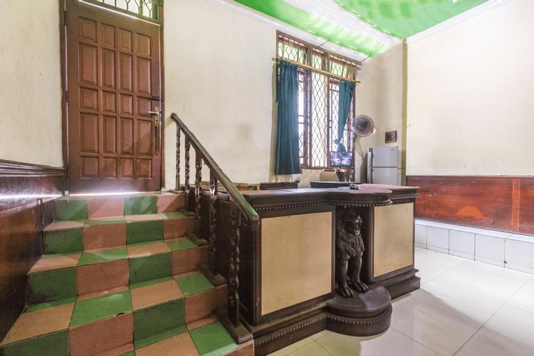 OYO 1424 Guntary Residence, East Jakarta