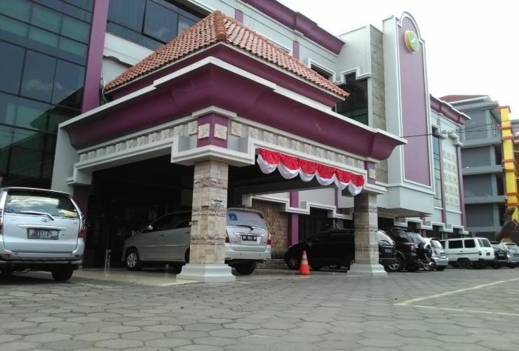 Grand Setia Kawan, Solo