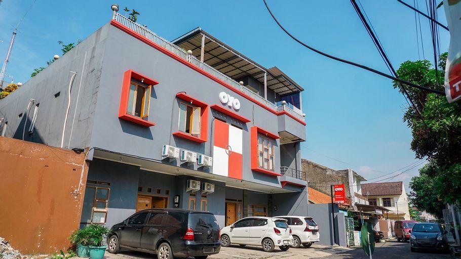 OYO 1932 Srimahi Near RS Muhammadiyah, Bandung