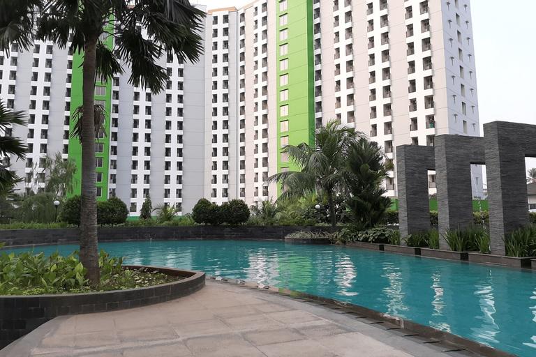 Cozy Studio Room Green Lake View Ciputat Apartment By Travelio, South Tangerang