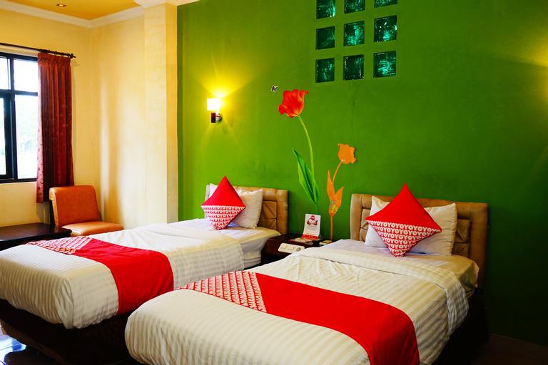 OYO 515 Oasis Hotel, East Belitung