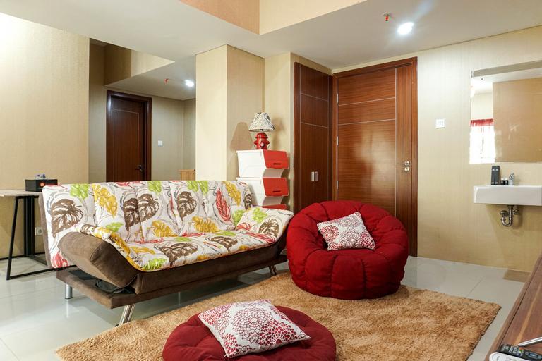 Homey and Luxurious 3BR Vittoria Apartment By Travelio, Jakarta Barat