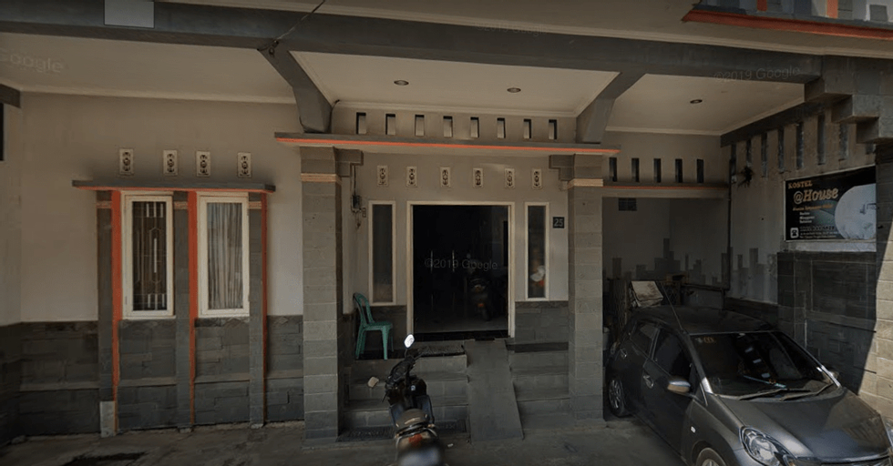 Kostel Syariah @House, Cimahi