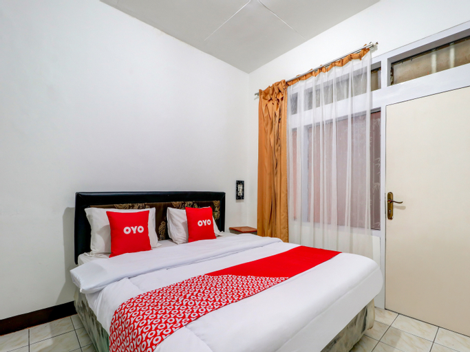 OYO 3341 Ten Guest House Near Hermina Pasteur Hospital, Bandung