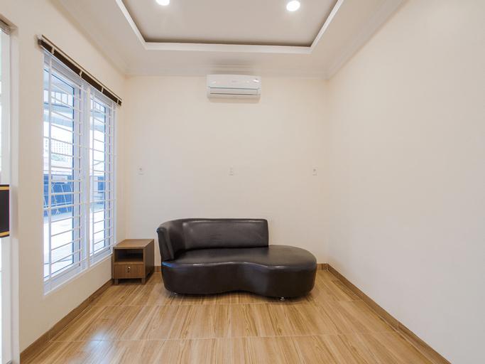 OYO 3316 Adam Malik Guesthouse, Medan