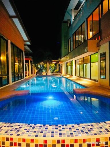 Front Beach Hotel, K. Sam Roi Yot