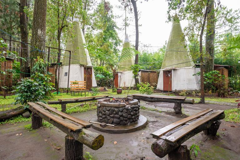 RedDoorz @ Apache Camp, Malang