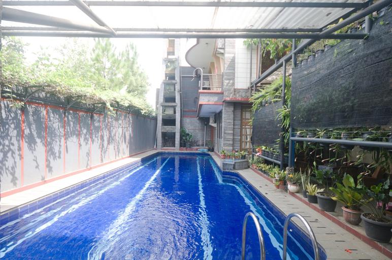 OYO 3135 Villa Surya, Bandung