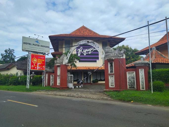 RedDoorz Plus near Tugu Mercusuar Anyer, Serang