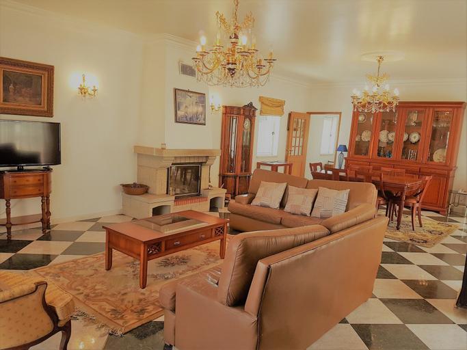 Caparica Quiet Rooms by Host-Point, Almada