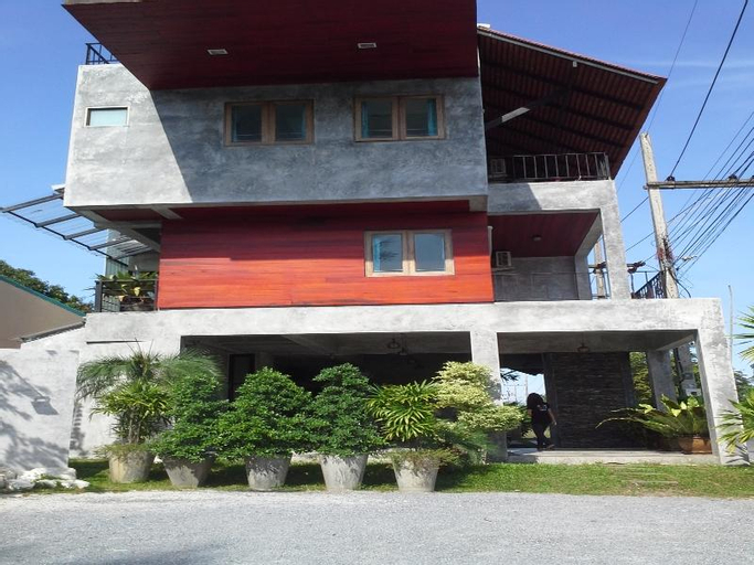 The Guesthouse at Khanom, Khanom
