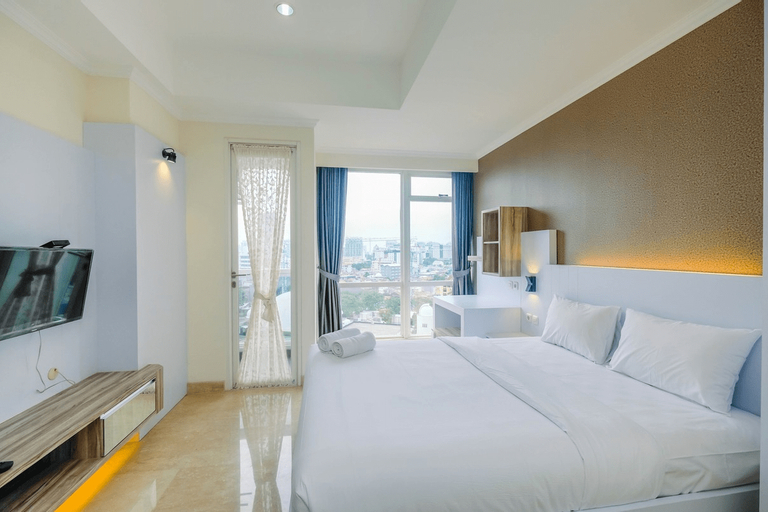 Warm and Cozy Studio at Menteng Park Apartment By Travelio, Jakarta Pusat