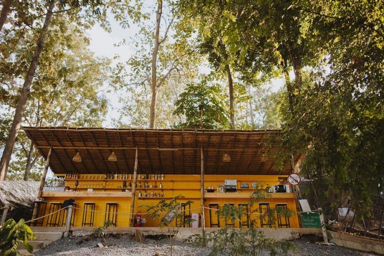 Camp Ta Torn Yorn, San Kamphaeng