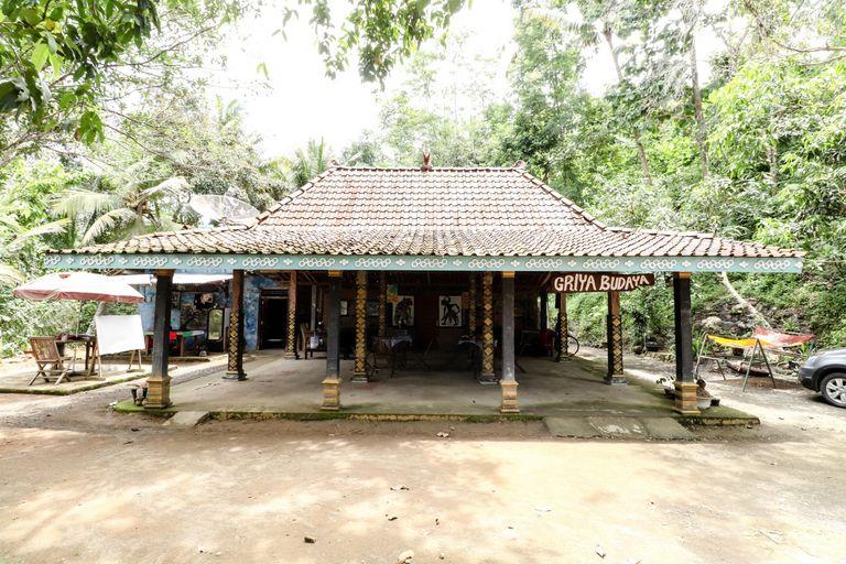 Segajih Central Stay and Education, Kulon Progo