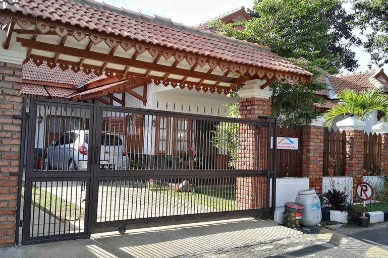 Tanameera Guest House, Bogor