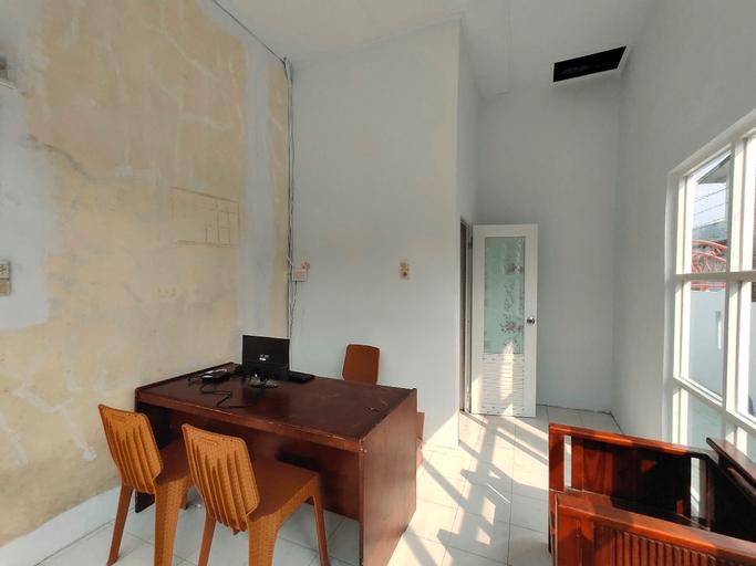 OYO 2940 Papakoel Guest House, Medan