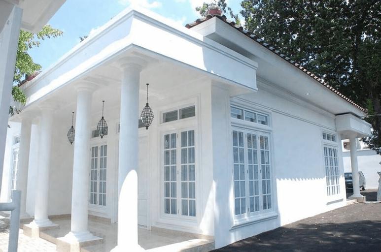 Griya Pamengkang 2  - Colonial House, Yogyakarta