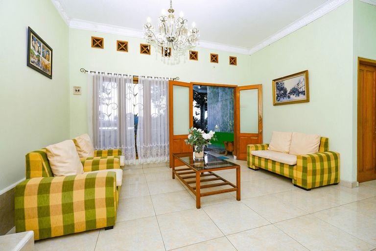 OYO 3071 Guest House Gethsemane, Semarang