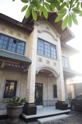 Green Roof Homestay Kubu Anyar, Badung