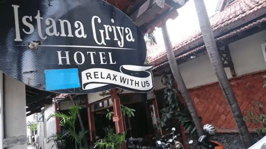 Istana Griya 1, Solo