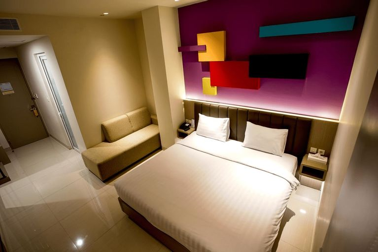 Zoom Dharmahusada Hotel, Surabaya