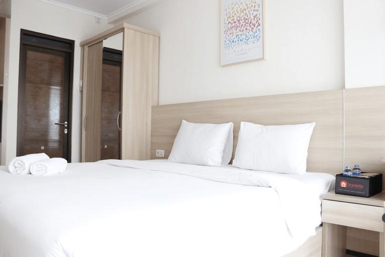 Bright Studio Room Gateway Pasteur Apartment By Travelio, Cimahi