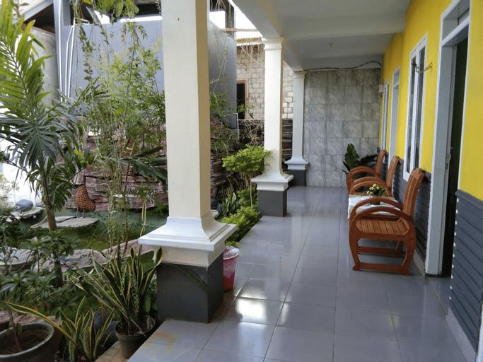 Hotel Athina Puncak, Bau-Bau