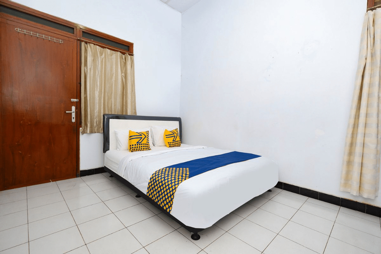 OYO 2240 Simpang Tujuh Residence, Kudus