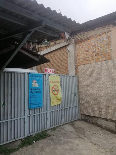 SPOT ON 3867 Rumah Rahman Syariah, Bekasi