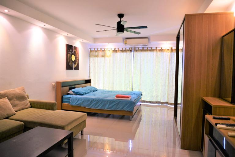 Pattaya Plaza Condotel large studio apartment Sukhumvit, Bang Lamung