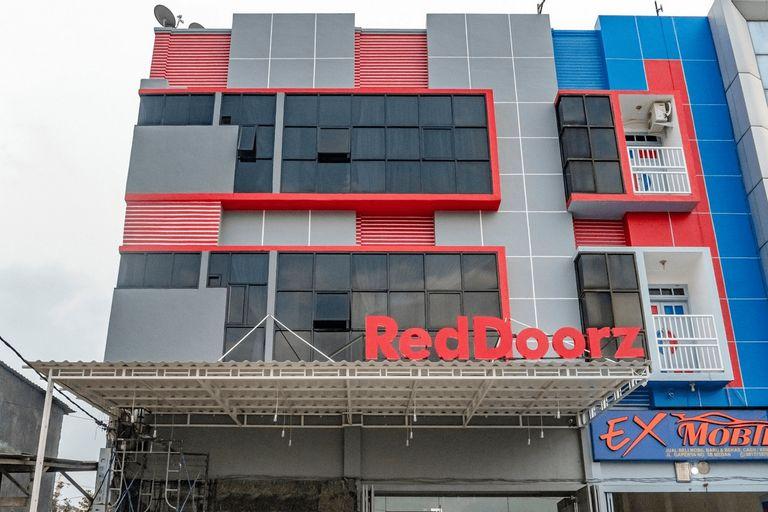 Reddoorz Plus near Millenium ICT Centre Medan 2, Medan