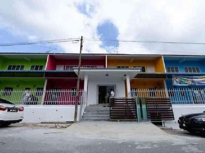 Greenpeace Guesthouse, Keluang