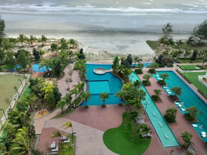 Timur Bay Beach Resort by Subhome, Kuantan