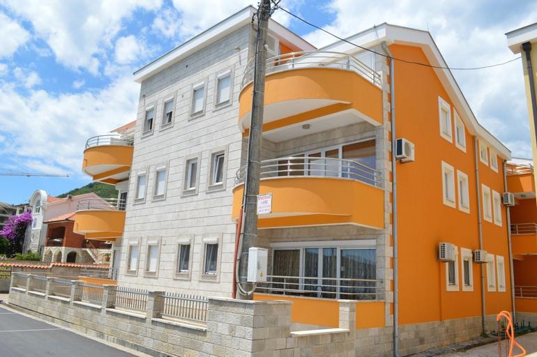 Seafront Apartment Bijela,