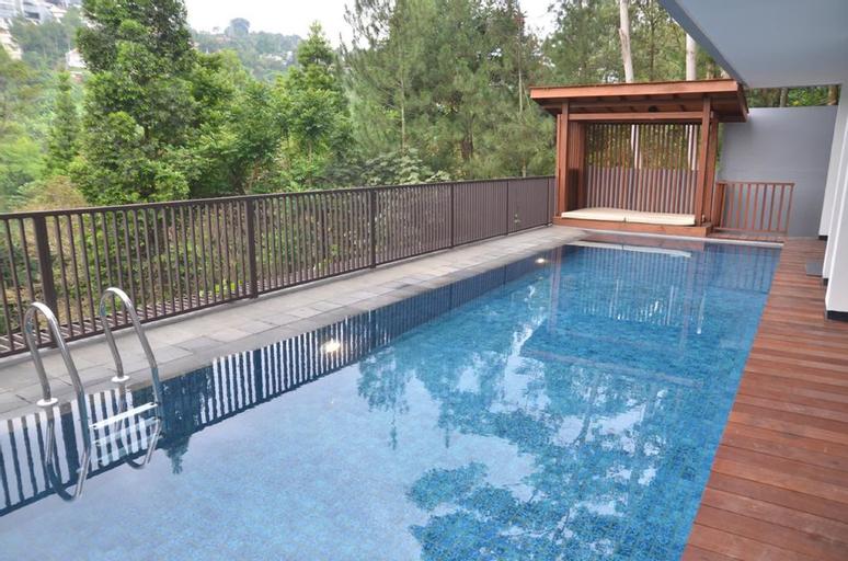 Cempaka 2 villa 6BR with a private pool, Bandung