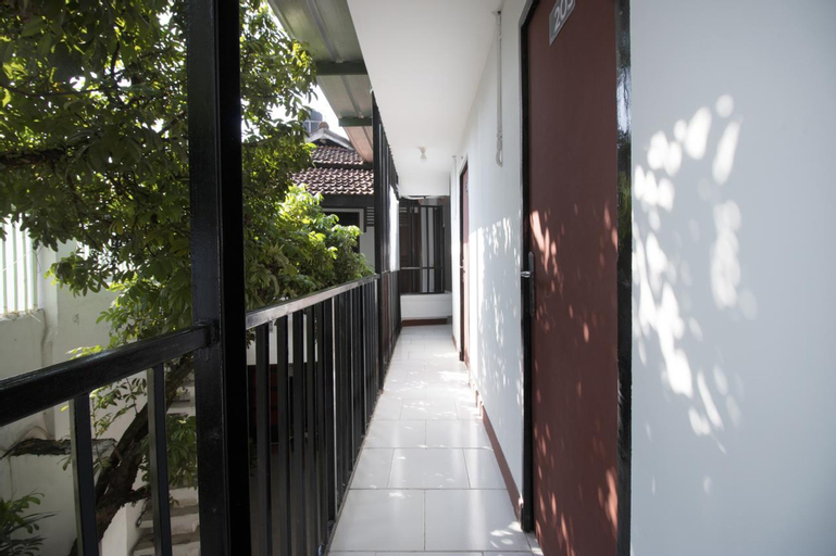RedDoorz near Riau Junction Mall 2, Bandung