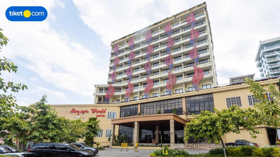 Senyum World Hotel, Malang