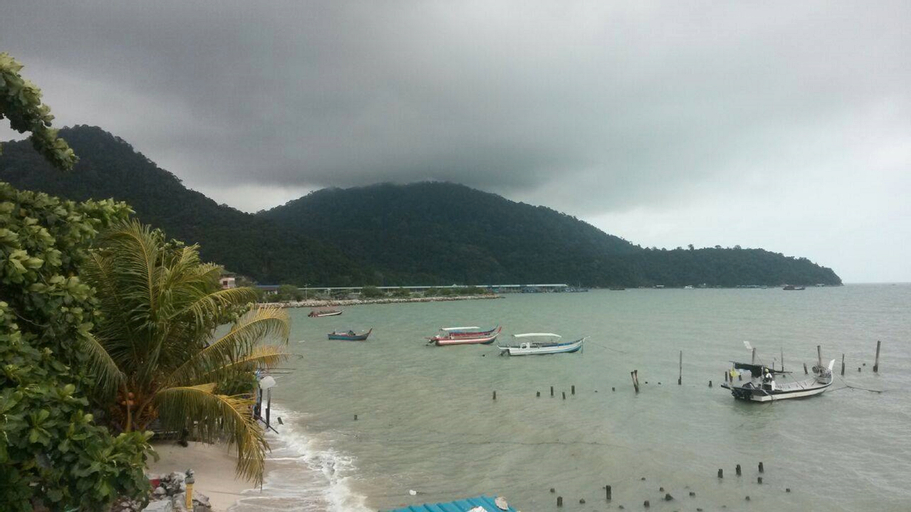 Beachfront Paradise, Barat Daya