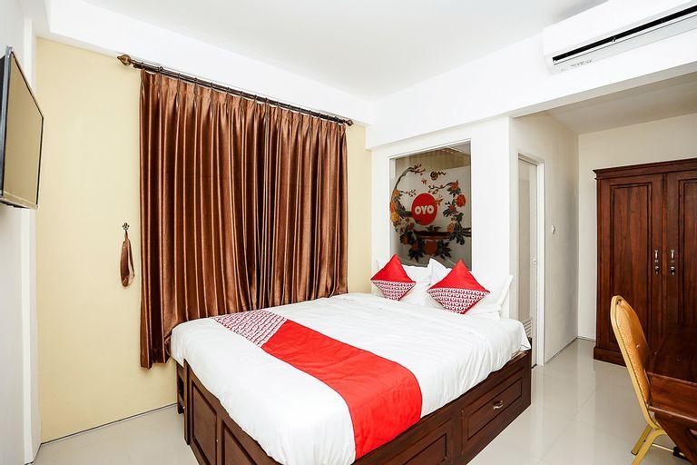 OYO 781 Erga Family Residence, Surabaya