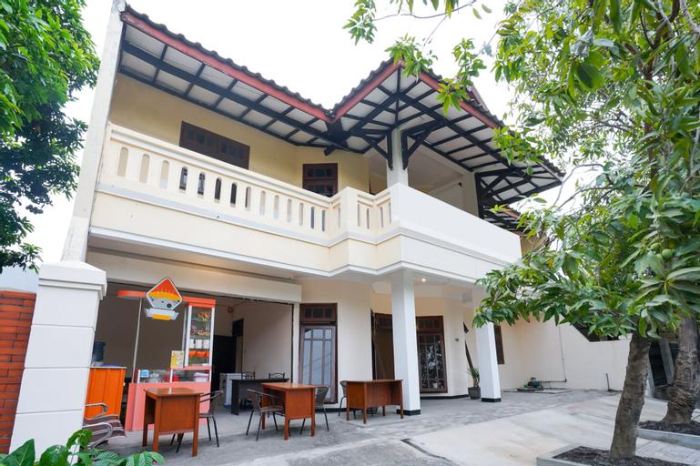 Omah A Yani Surabaya, Surabaya