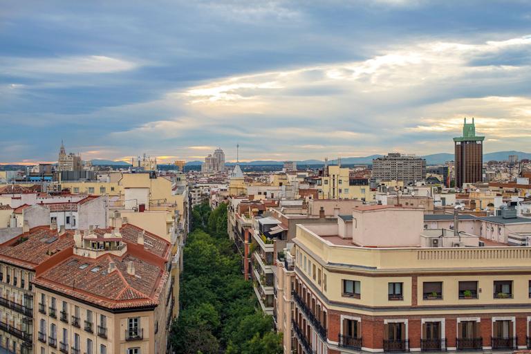 H10 Puerta de Alcalá, Madrid