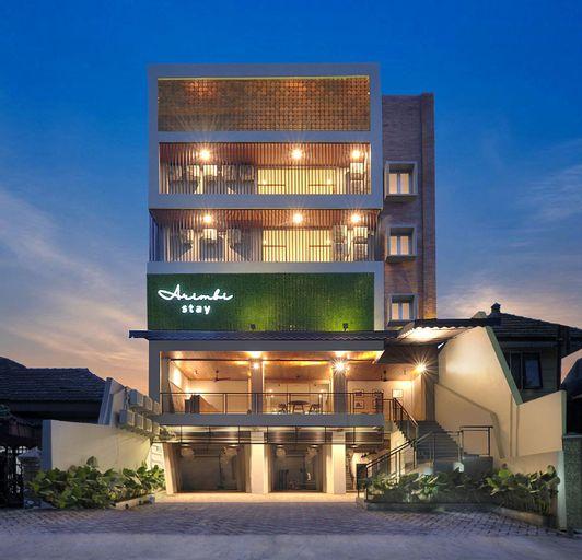 Arimbi Stay, Surabaya
