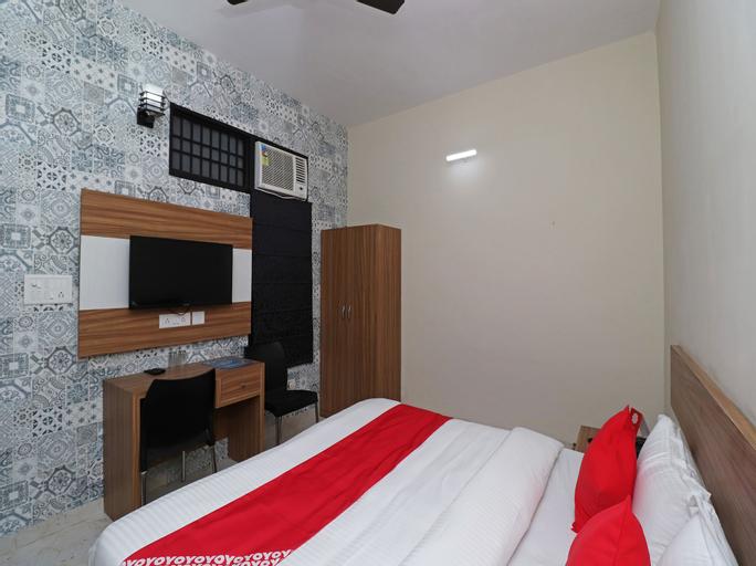 OYO 17425 Dwarka Palace, Gurgaon