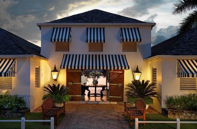 Round Hill Hotel And Villas,