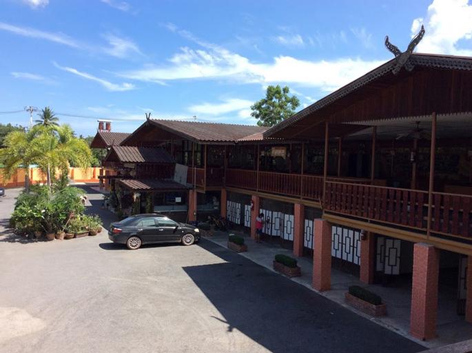 Phungluang Resort, Damnoen Saduak