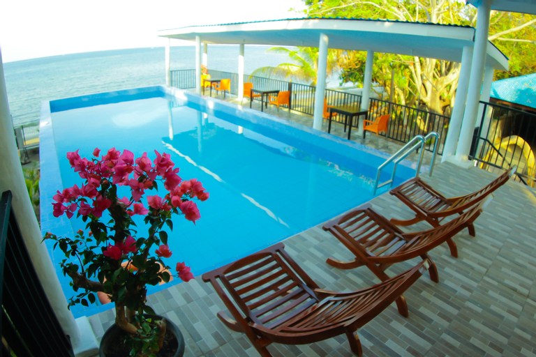 Hotel FX72 Maumere Beach Resort, Sikka