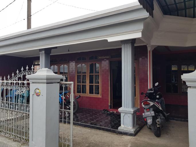Homestay Pak Juniadi, Malang