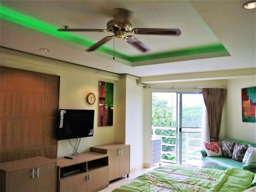 Jomtien beach condominium S2 modern beach front studio apartment, Pattaya