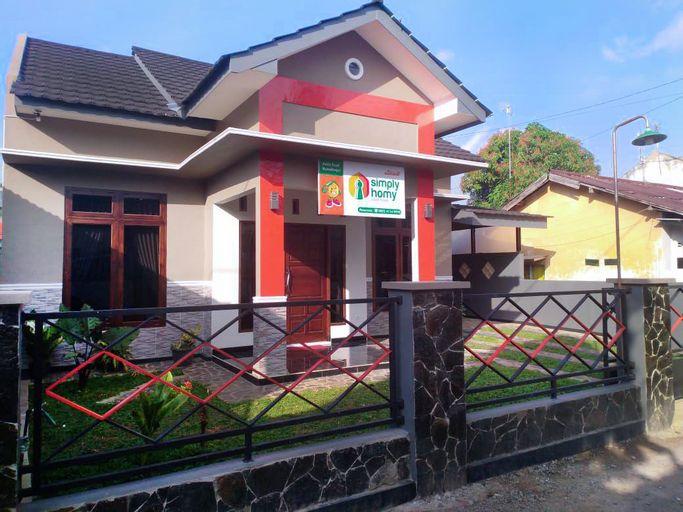 Simply Homy at Purbalingga (3BR near City Center), Purbalingga